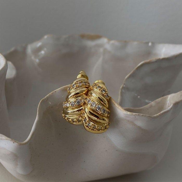 Croissant hoop with mini zirconias