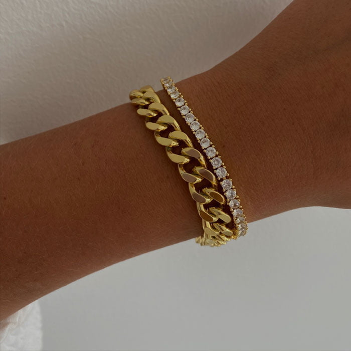 Chunky cuban chain bracelet made in 18k gold plated brass