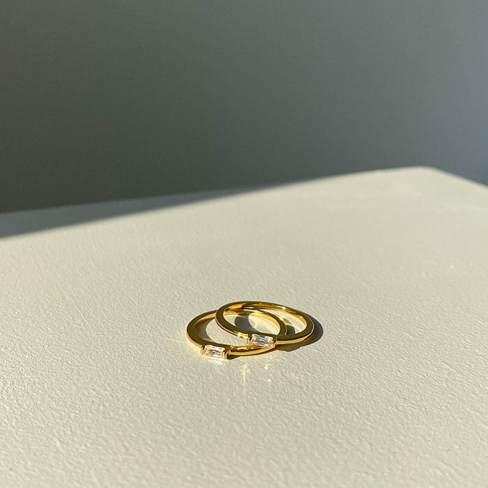 baguette clear zirconia ring