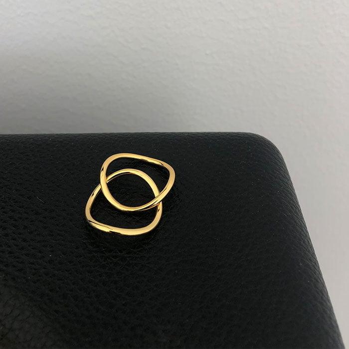 minimalistic wave ring