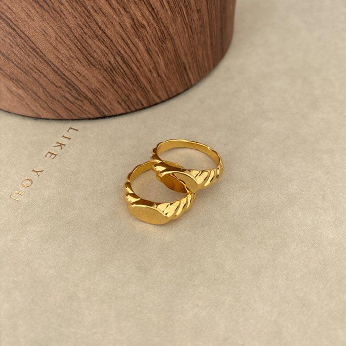 Wave signet ring