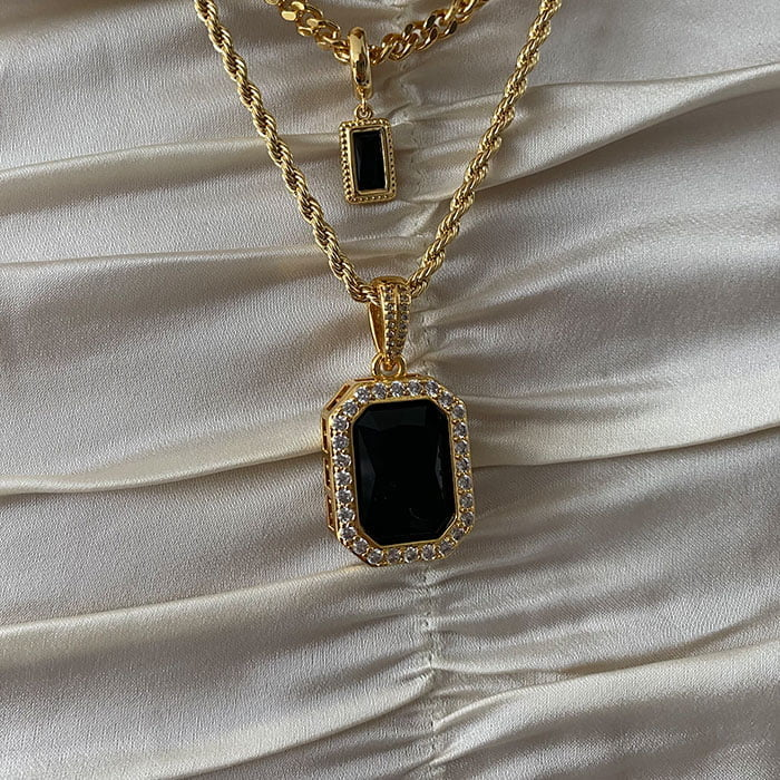 Onyx necklace pendant