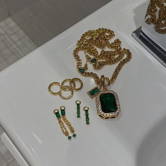 golden jewellery