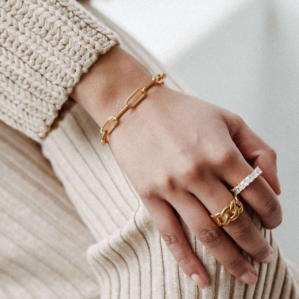 Pave ballier ring